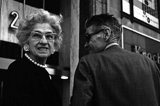 finding-vivian-maier-chicago-street-photographer-1
